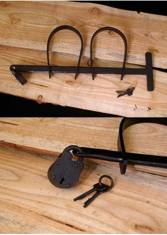 Medieval Handcuffs from Steel with small Padlock