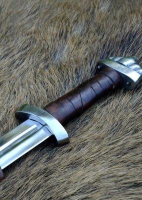 10c Viking Sword w/ scabbard, five-lobed pommel, practical blunt